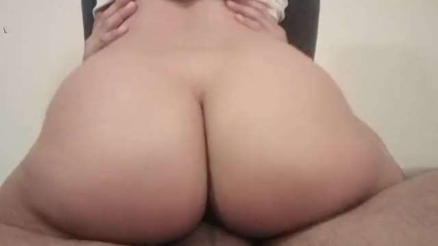 large booty Latin babe gives a Creamy ride until this chab cums