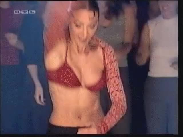 Watch this trending GIF by @neskall on Gfycat. Discover more alice deejay, celebrity GIFs on Gfycat