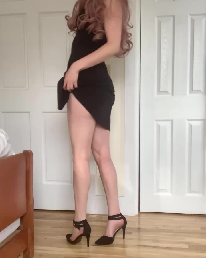 If you didn't have a long leg fetish before, you do now 🦵🏻