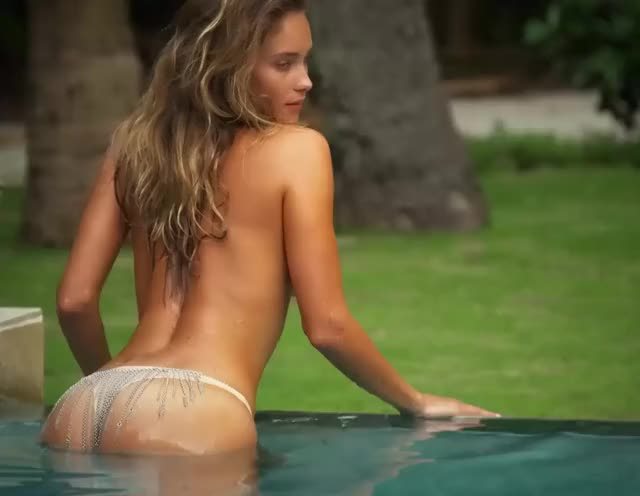hannah Davis was what got me started wanking, u can watch why