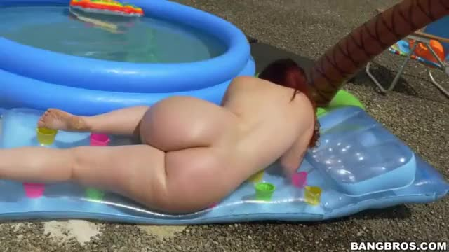 All the Ingredients for a Fun Pool Party (x-post /r/PoolsidePorn)