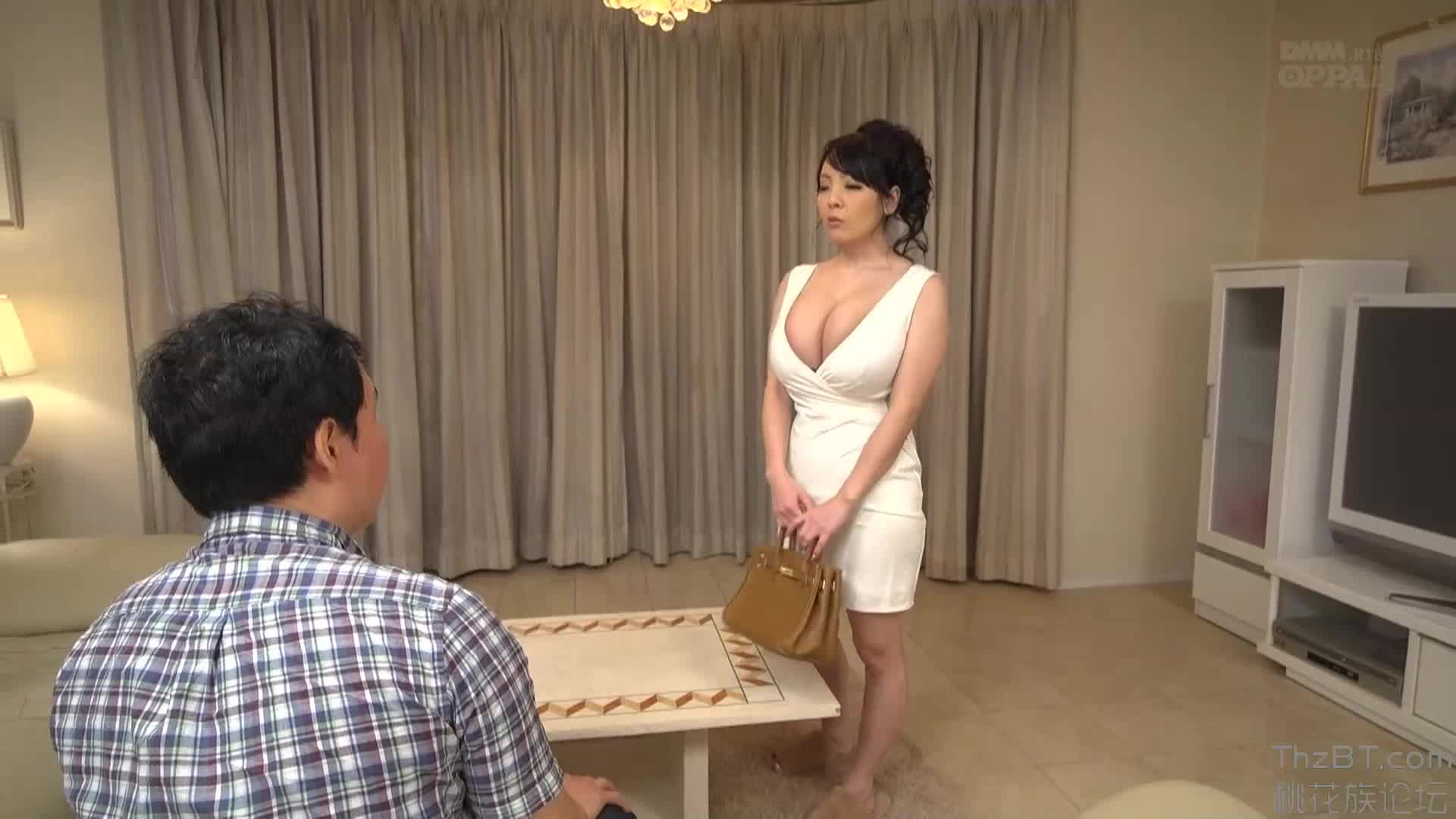 Hitomi   Seduced By My Sister's Best Friend