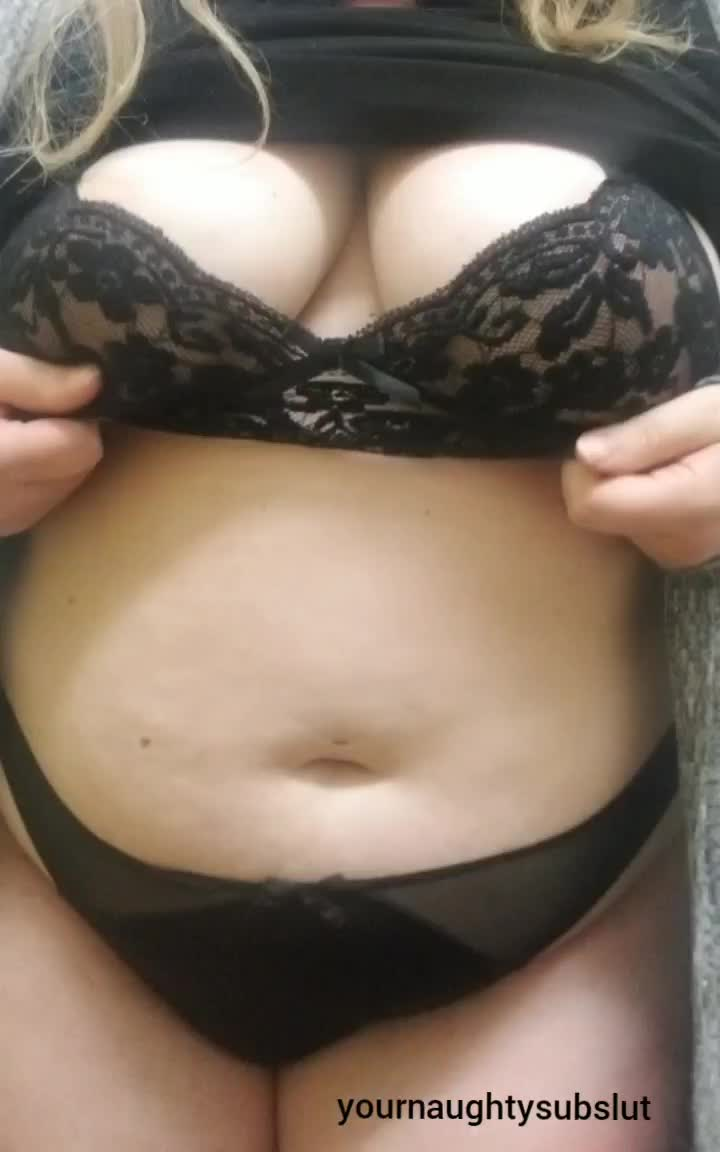 Found the video of me playing with my tits at work