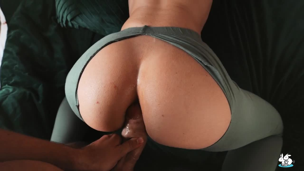 Behind Milf Rips Her Yoga Pants To Get Ass Fucked !!