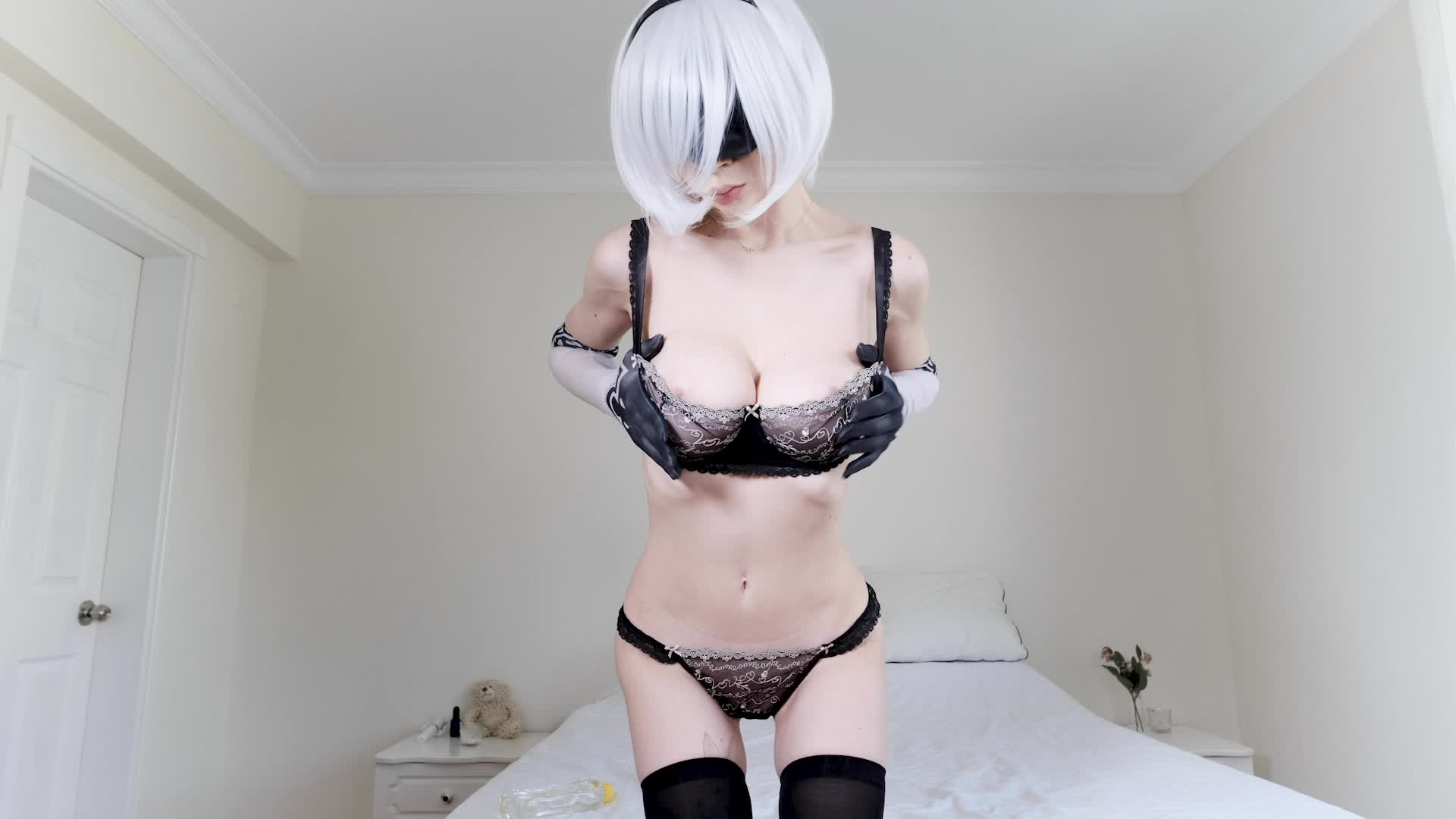 2B playing with her holes