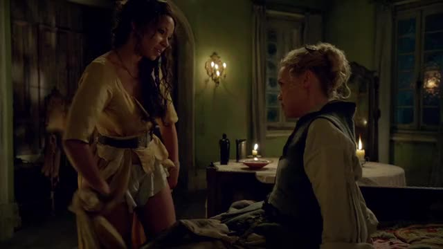 jessica Parker Kennedy & Hannah Recent in Ebony Sails