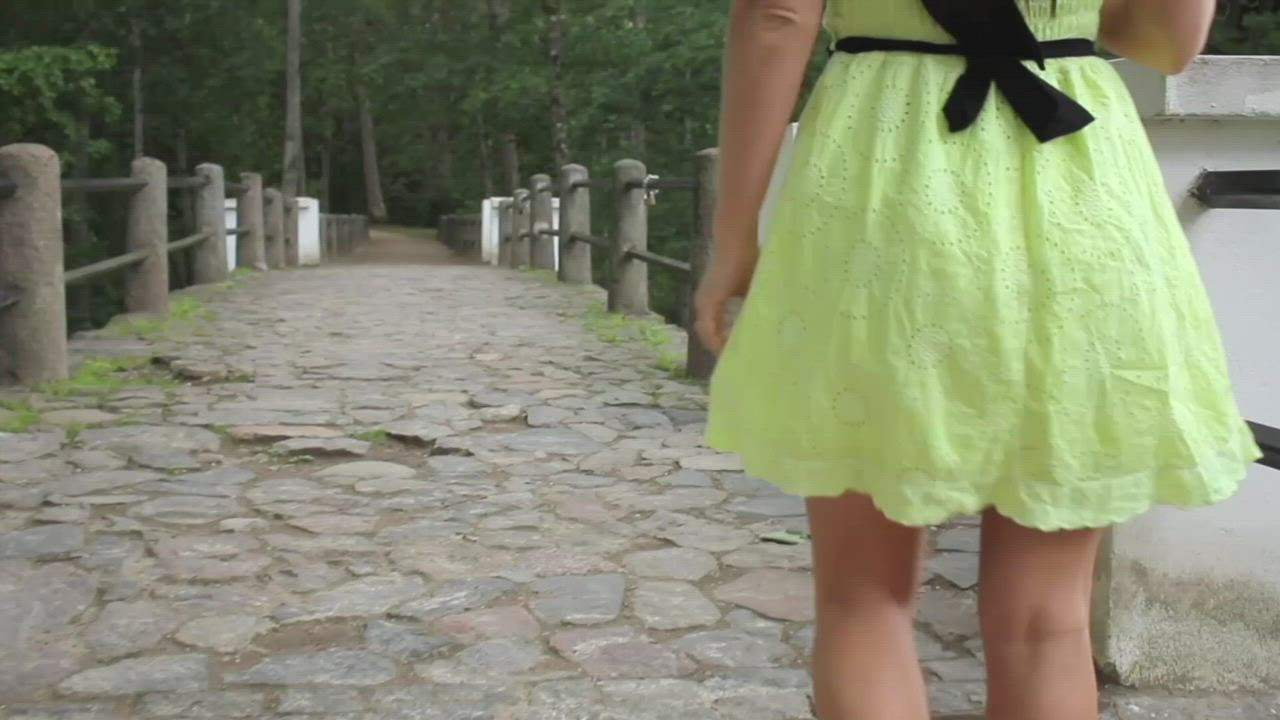 [GIF] Revealing Lovely Tits In The Park