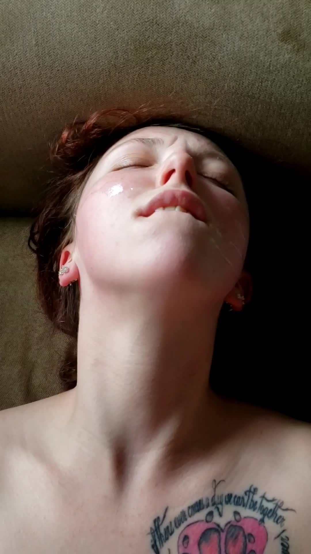 I've finally orgasmed with cum on my face!
