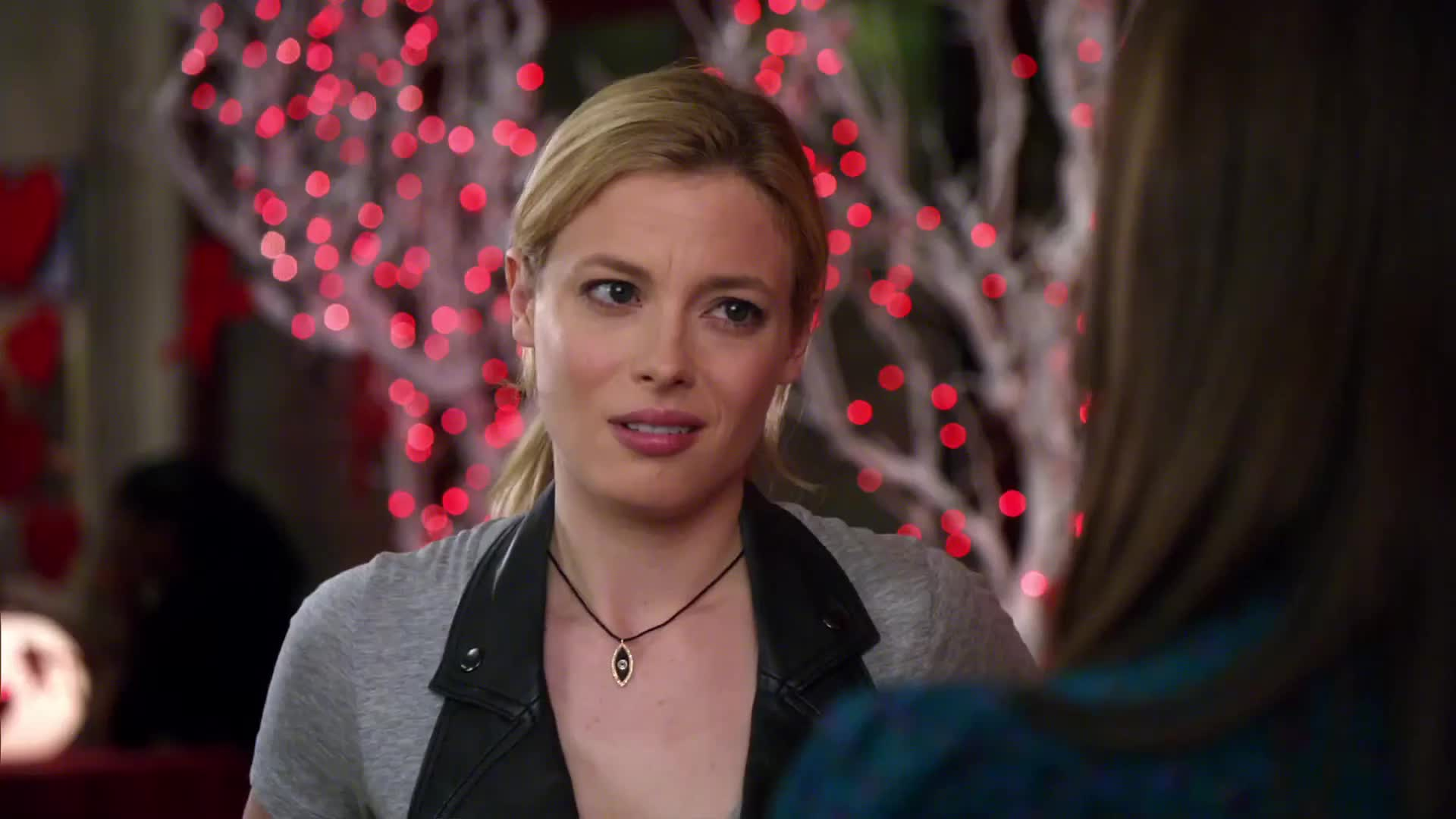 alison brie, community, gillian jacobs, Kiss Her! GIFs