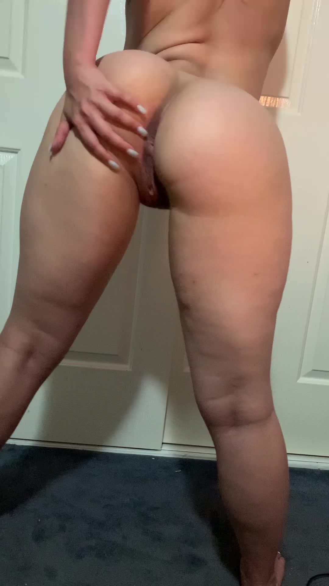 Have you tasted a fat Aussie ass before? 😏 [22]