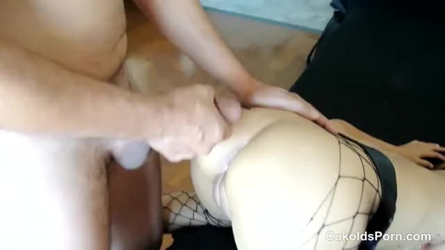 wife takes creampie in her butt