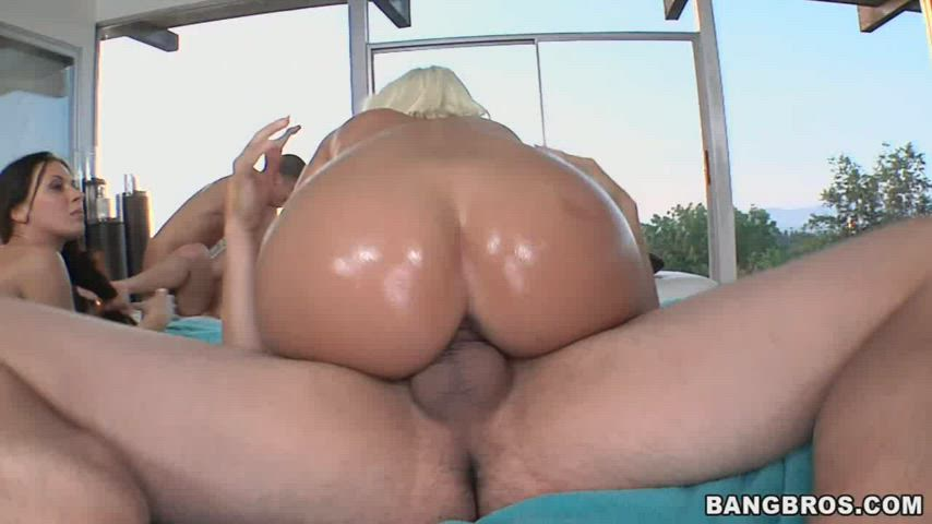 Jenny Hendrix PAWG riding