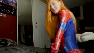 redhead Spider Beauty Giving a Priceless Orall-service