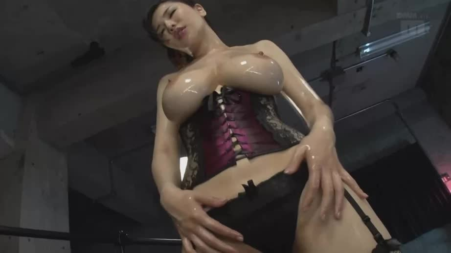 Anri Okita Oiled up