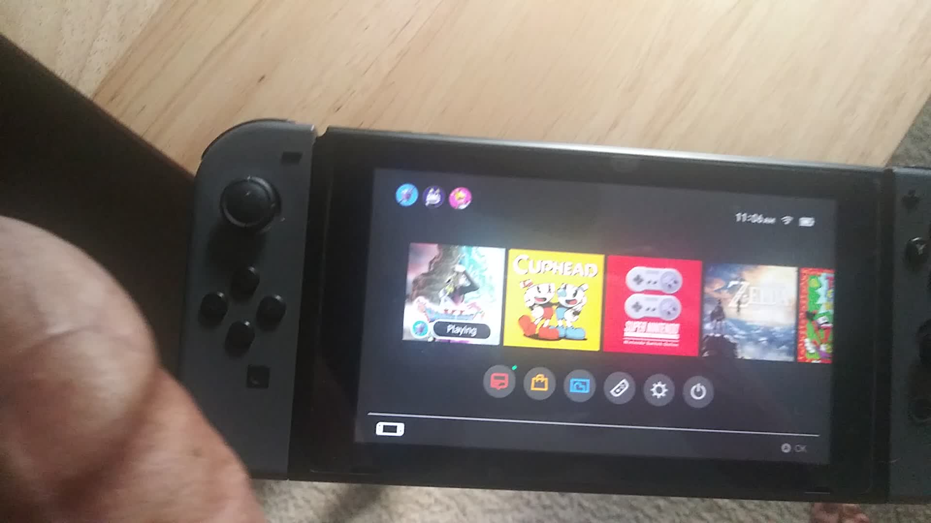 Navigating the Nintendo Switch menu with my Wii-meat controller!