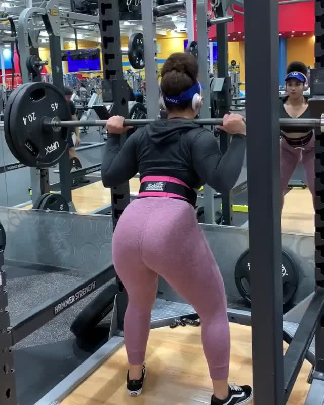 Babe wants a bigger booty