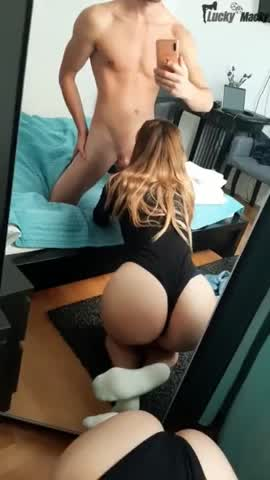 Hot Young Amateur Suck Dick Close To Mirror