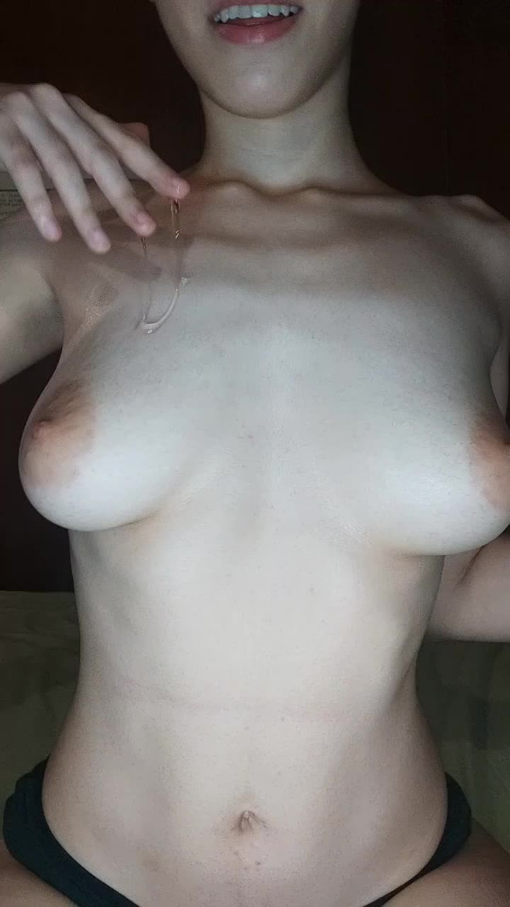 Picture me riding your cock 🤤