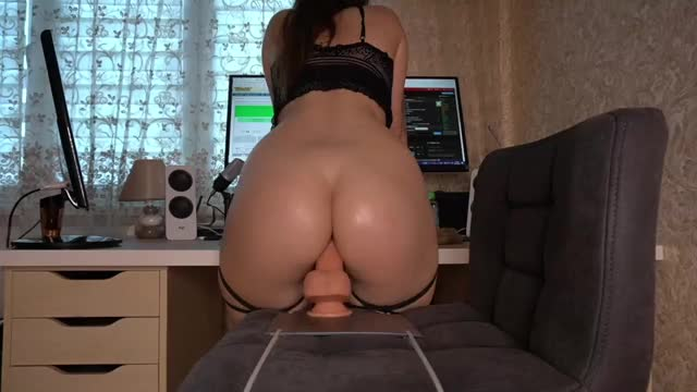 She knows how to ride with her big ass!