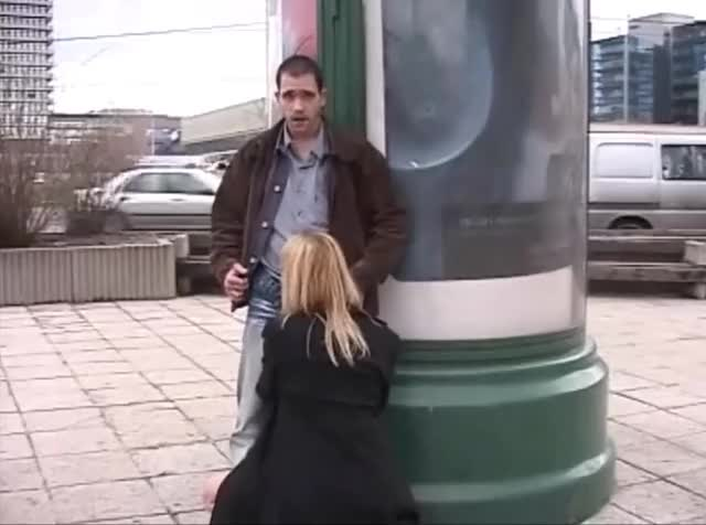 Blowjob Outside The Subway Station[Gif]