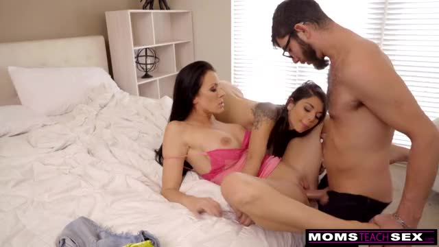 cumming With Her Step Son And Daughter