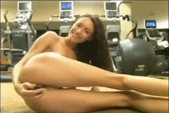 getting some cardio in at the gym