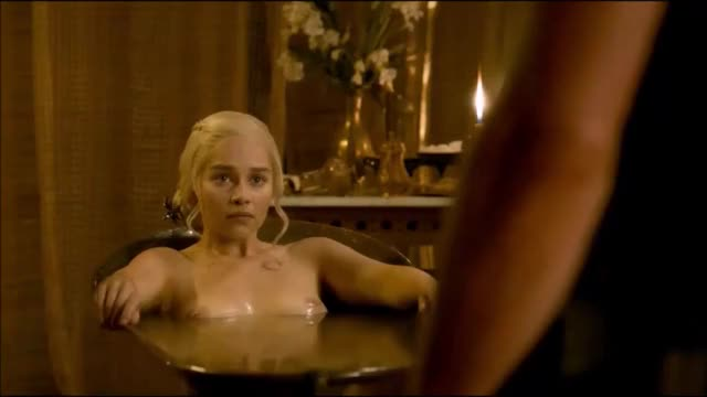 the merely part of this Emilia Clarke scene u care about