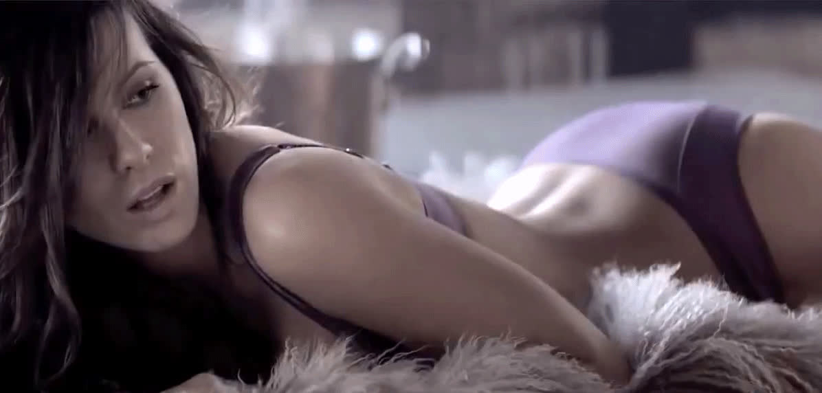 Kate Beckinsale is hot as fuck