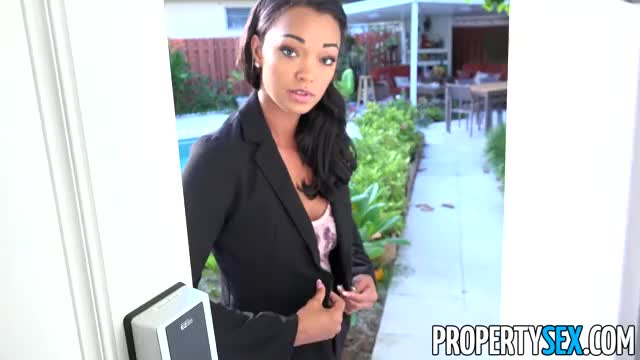 hawt Property Manager bonks made water off tenant