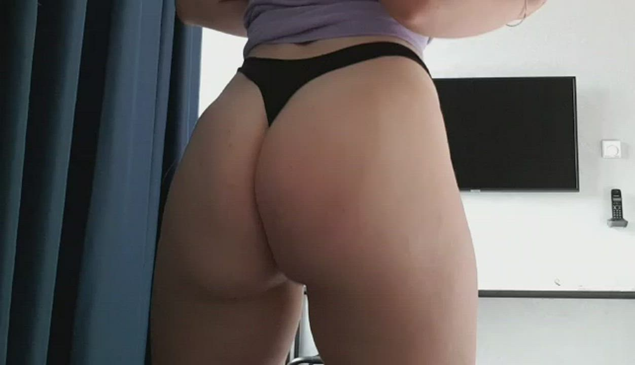 I will let you eat my ass, if you lick it first. Deal?