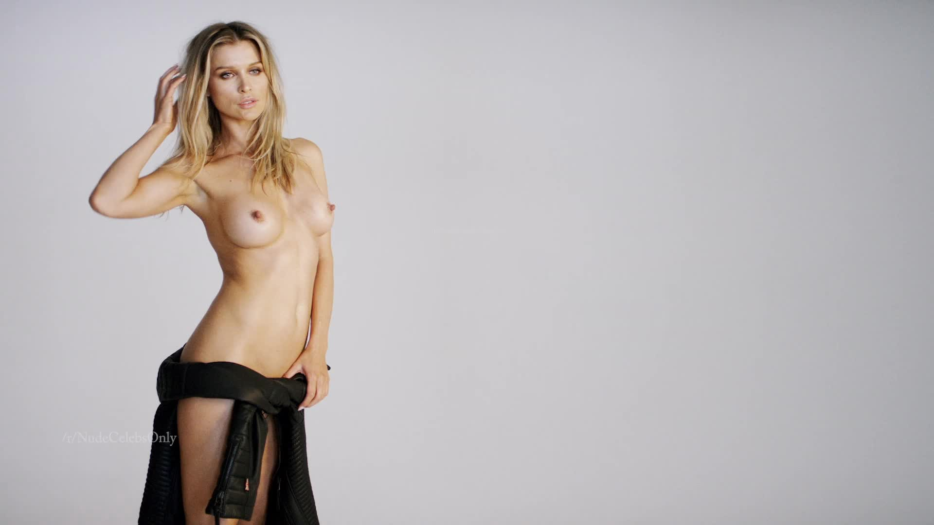 Joanna Krupa topless, naked nsfw video. Showing off fabulous body!
