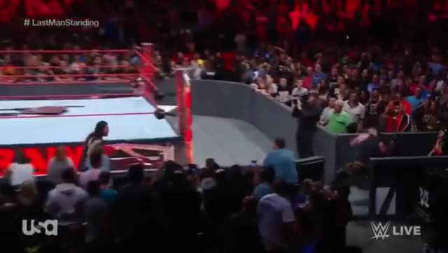 Watch You're welcome GIF by @lordryu on Gfycat. Discover more braun strowman, chair throw, wwe GIFs on Gfycat