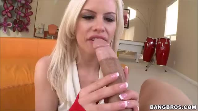 tara Lynn Fox deepthroating Two Tone Malone