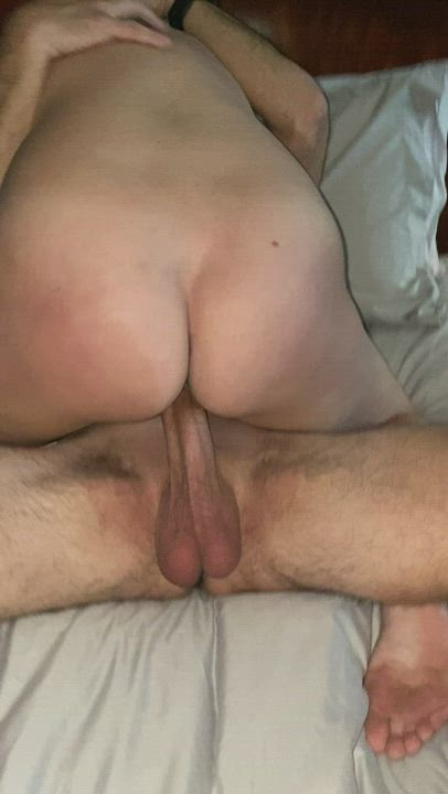 Helping hands… stroking bull's cock as it fucks a hotwife's pussy bareback