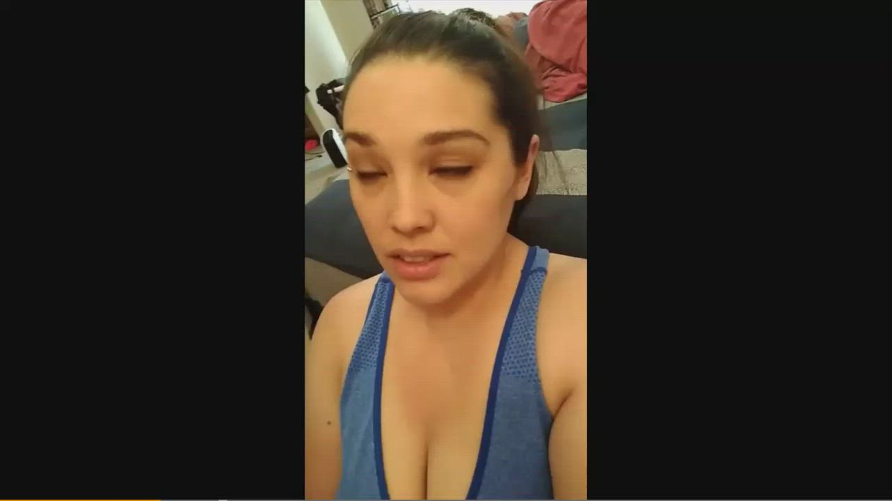 [Shy Lynn] I took a Selfie Video while getting Cum all over my Face!