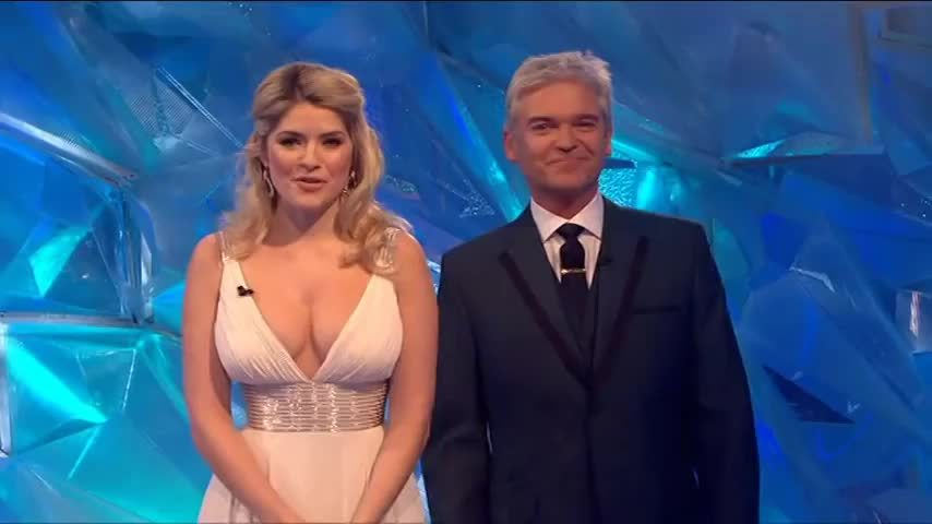 Holly Willoughby, TheHollyWilloughby, sexywomanoftheday, Dancing on Ice (reddit) GIFs