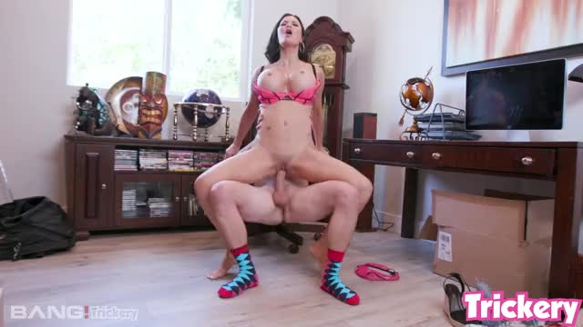 smacking Jasmine Jae's clitoris with his balls