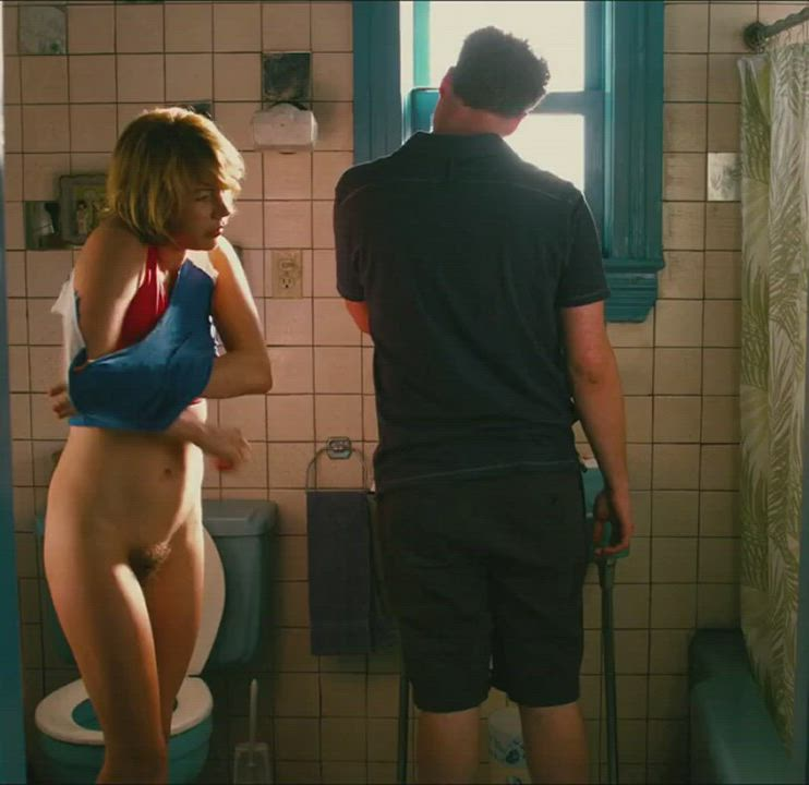 Michelle Williams full frontal plot from 'Take this Waltz'
