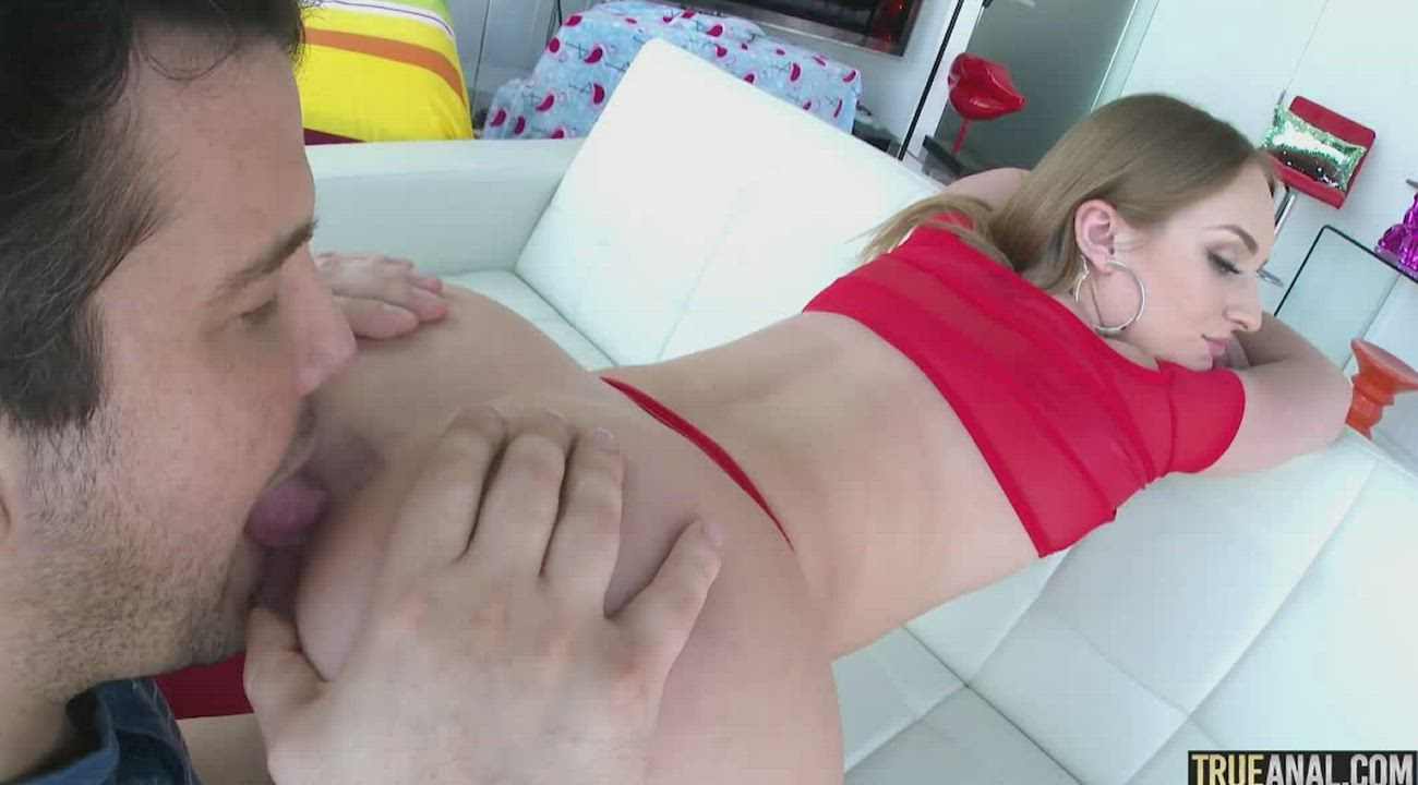 Mike tongue fucks Daisy's Ass for more than 20 minutes!