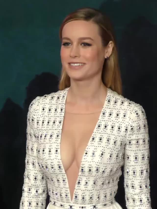 brie Larson showing off her cleavage