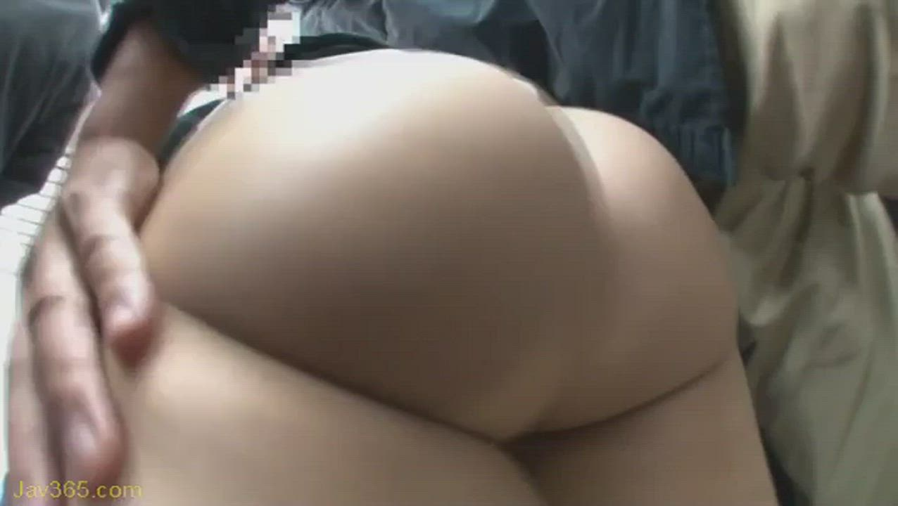 Asian booty look so soft