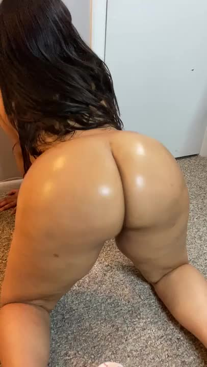 Tell me that you love my Dominican Ass🍑👅