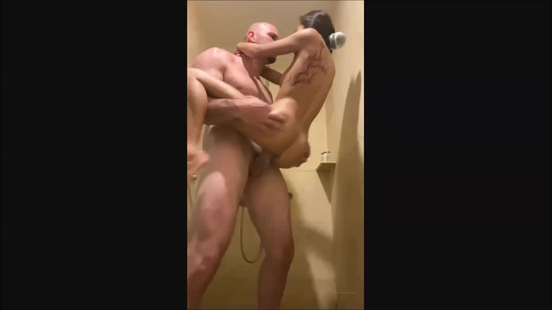 New Sex Tape With Vina Sky Fucking In Shower