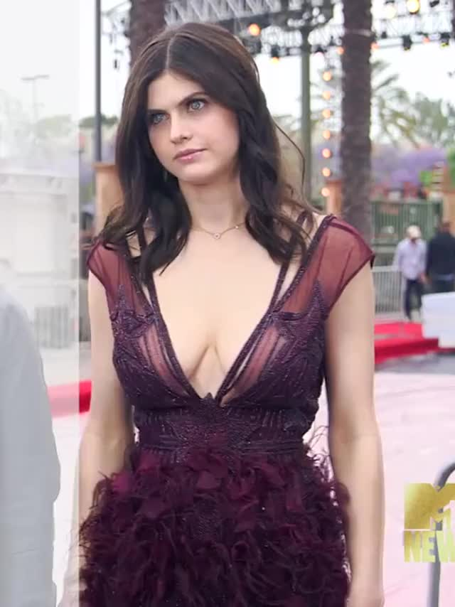 Watch Alexandra Daddario GIF by r/Celebhub (@celebs) on Gfycat. Discover more Celebhub GIFs on Gfycat