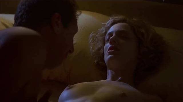 Judy Greer topless in What Planet Are You From?