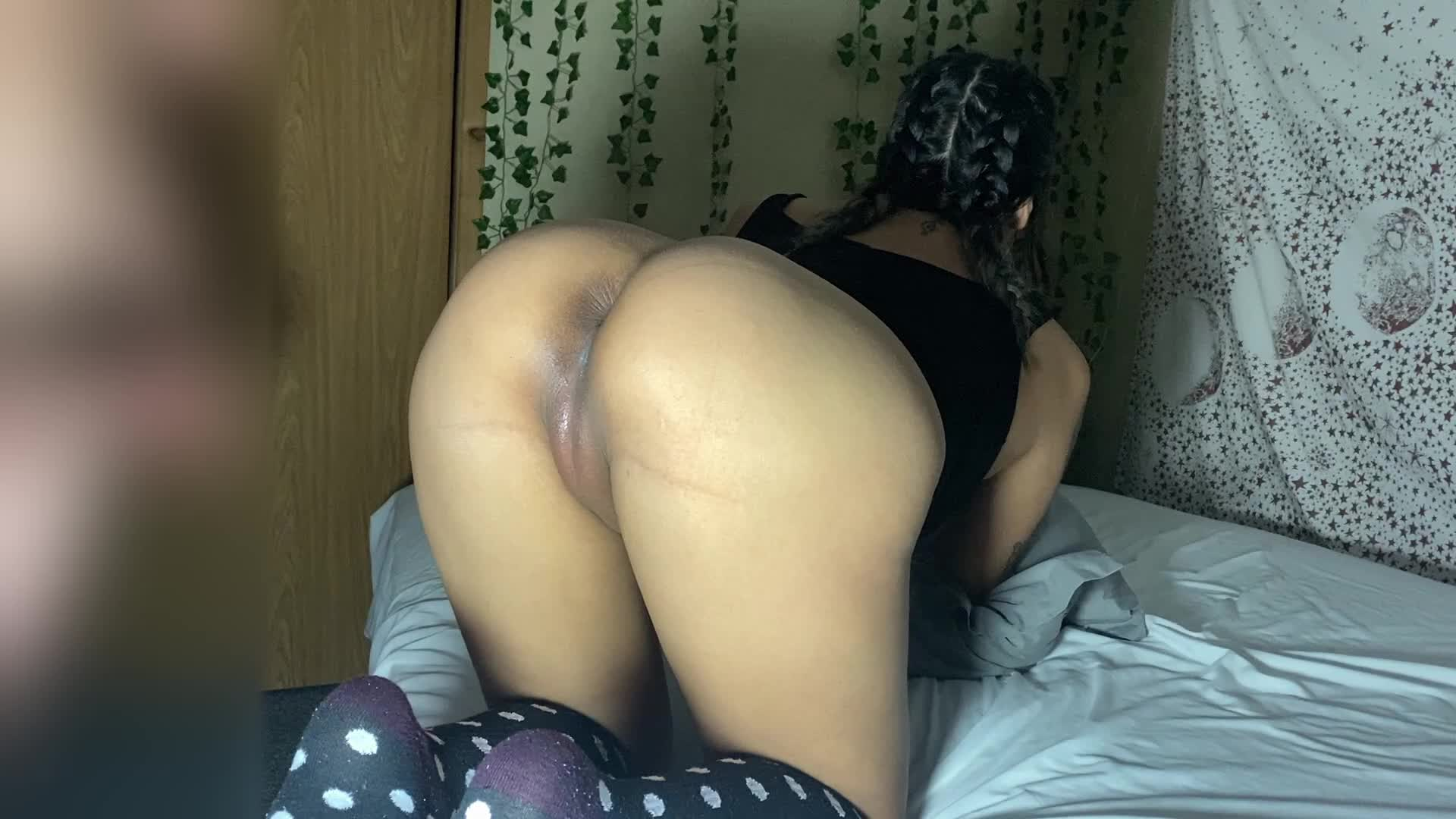 Would you be able to resist my ass shaking & braids?