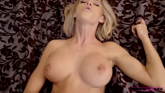 jessa Rhodes cums on sons shlong
