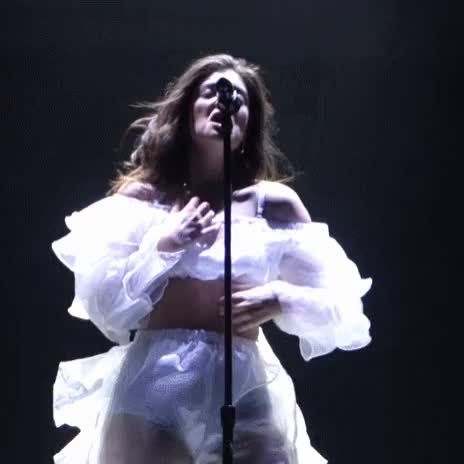 anybody jerk over lorde with me on web camera