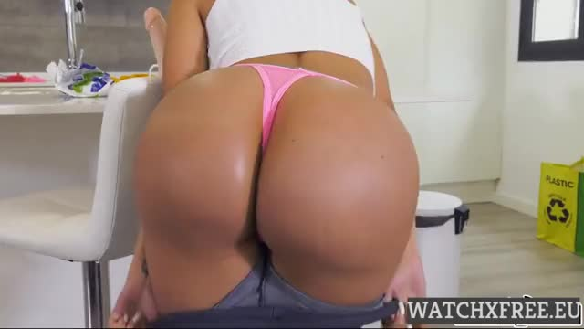 canela Skin  Canela,The Anal And Squirting Maid