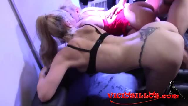 fuck Two Sluts in A Party